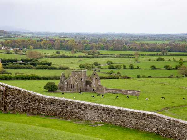 Vista della pianura di Tipperary dalla Rock of Cashel