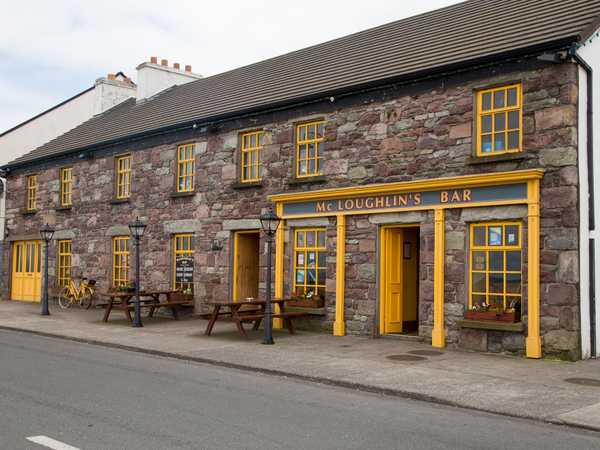 Mc Loughlin's bar - Achill Sound